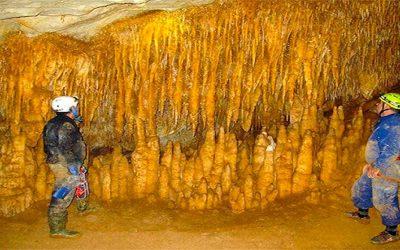 Espeleotemas del Bajo Deba (2): estalactitas tubulares